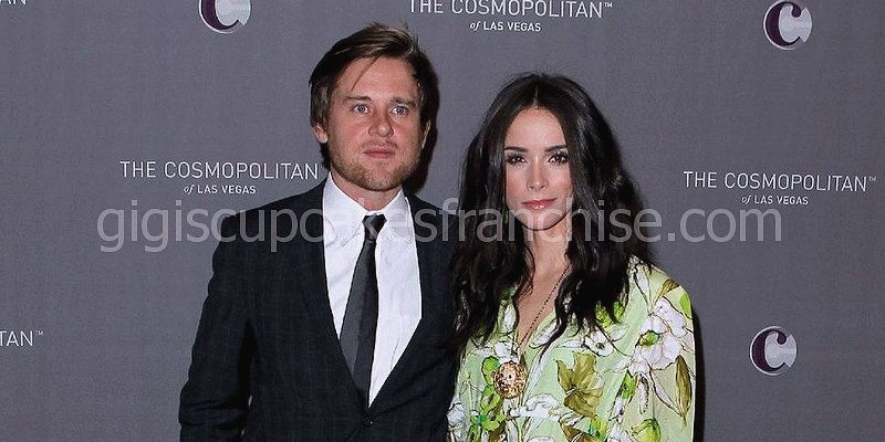 la veritat incontestable de l'ex-marit i Andrew pruett de Abigail Spencer