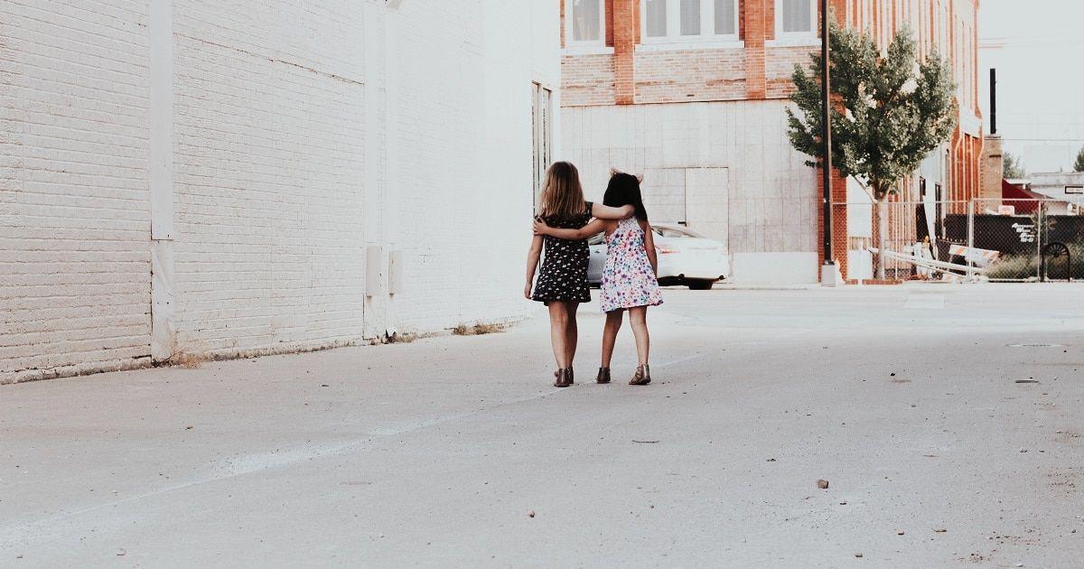 30 jótékonysági tevékenység gyerekeknek, amelyek korán megtanítják az empátiát