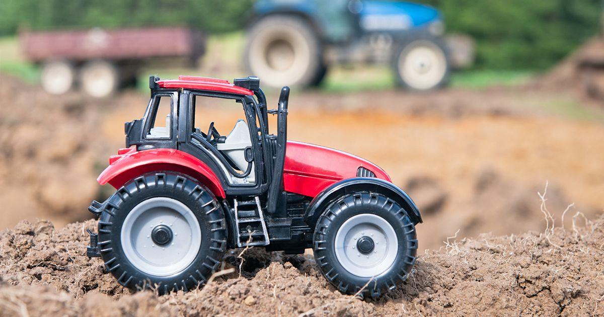 8 най-добри трактори за играчки, които вашето дете ще намери безкрайно забавно 2021